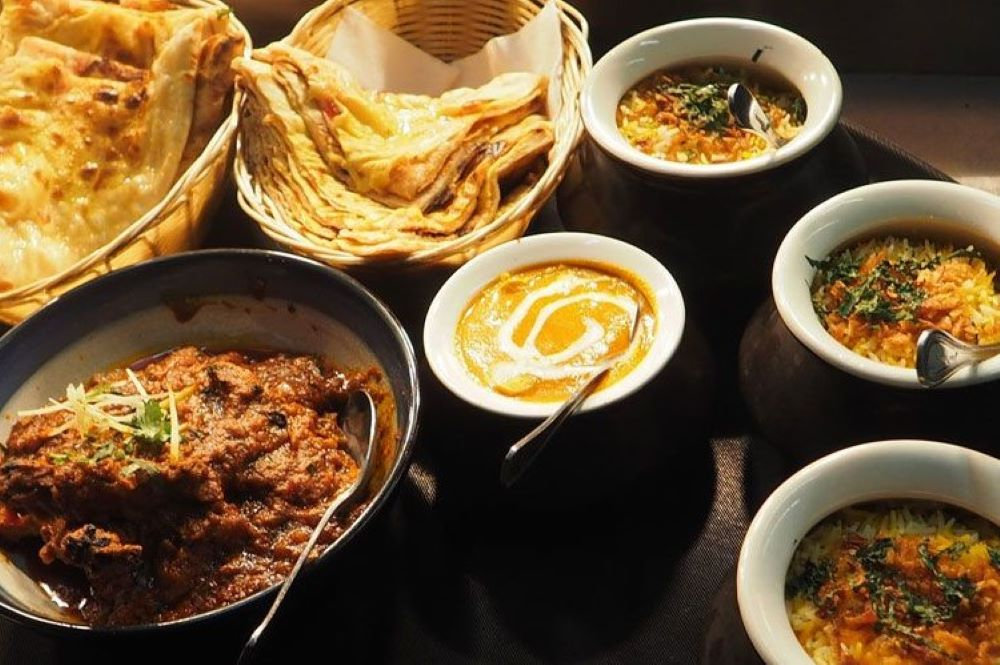 IndianKenyaRestaurant3x2 1000px