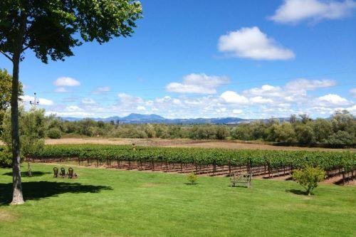 The Farm Vineyards 3x2 500px
